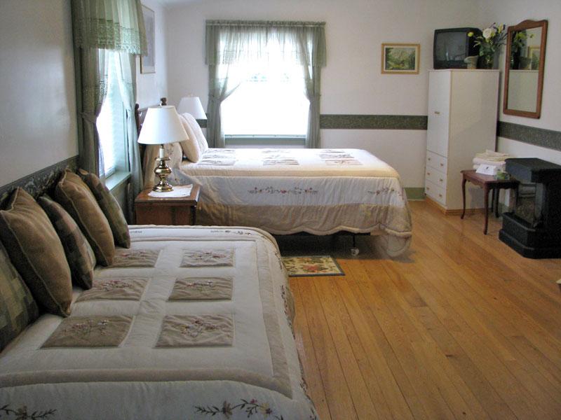 Cleveland Beach Suite